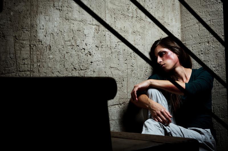 Przemoc domowa w okresie izolacji – gdzie szukać pomocy w czasach koronawirusa