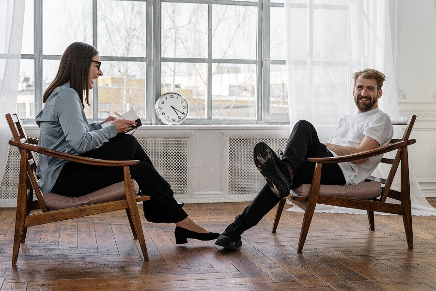 Psycholog a psychoterapeuta – Jakie są różnice?