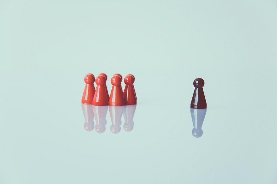 Fobia społeczna – Przyczyny, Objawy i leczenie