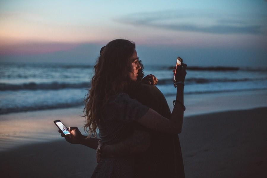 Uzależnienie od telefonu – jak je rozpoznać