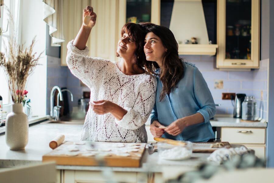 Nadopiekuńczy rodzice – Jak sobie radzić?